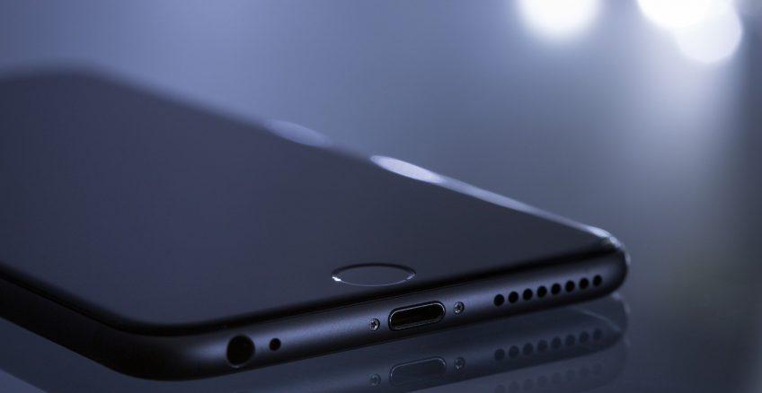 Apple zastanawia się nad zmianą nazewnictwa, z iOS na iPhone OS